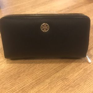 Tory Burch Large Black Double Zip Around Wallet.